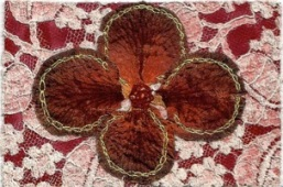 pc lace with four petals